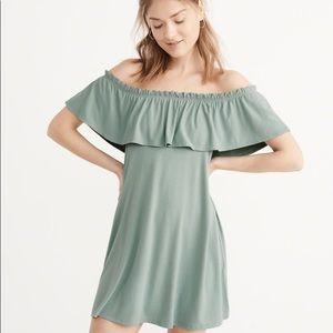 ABERCROMBIE Ruffle Off Shoulder Dress